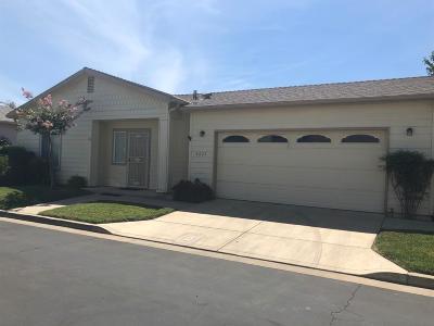 Visalia Single Family Home For Sale: 4627 S Linda Vista Street