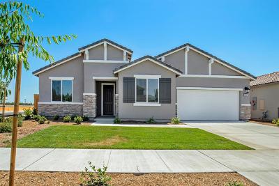 Visalia Single Family Home For Sale: 3235 E Harter Avenue