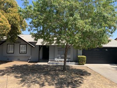 Visalia Single Family Home For Sale: 2220 S Locust Street