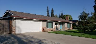 Visalia Single Family Home For Sale: 26545 Mulanax Drive