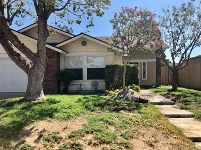 Porterville Single Family Home For Sale: 676 N Belmont