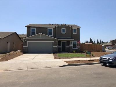 Visalia Single Family Home For Sale: 1651 N Arroyo Court Court