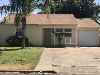 Dinuba Single Family Home For Sale: 200 S Palm Drive