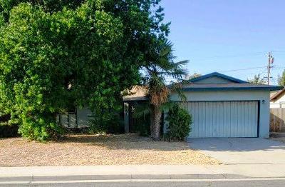 Dinuba Single Family Home For Sale: 641 E Harvard Avenue