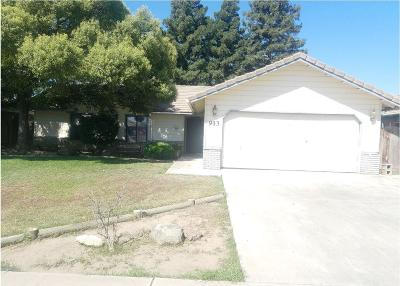 Porterville Single Family Home For Sale: 913 Greenfield Drive