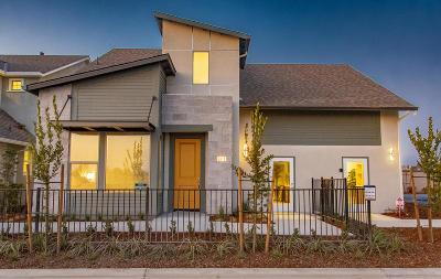 Visalia Single Family Home For Sale: 3413 W Milan Avenue