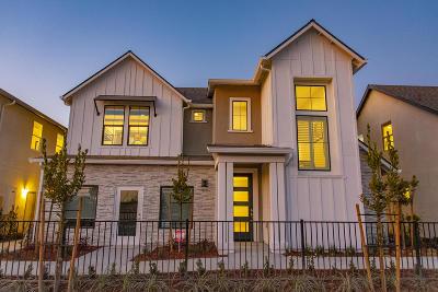 Visalia Single Family Home For Sale: 4318 S University Street