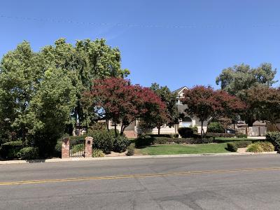 Tulare Single Family Home For Sale: 260 E Merritt Avenue