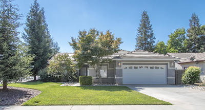 Visalia Single Family Home For Sale: 4223 E Laurel Avenue