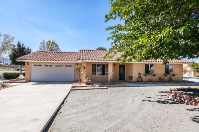 Pinon Hills Single Family Home For Sale: 11774 Azure View Road