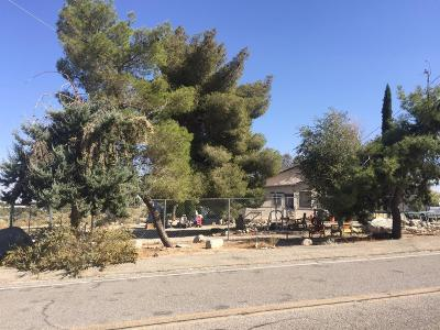 Pinon Hills Single Family Home For Sale: 851 Highway 138 Highway
