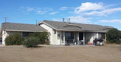 Oak Hills CA Single Family Home For Sale: $339,000