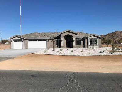 Apple Valley Single Family Home For Sale: 20078 Seneca Road