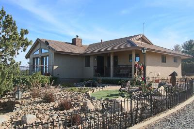 Pinon Hills Single Family Home For Sale: 1323 Elsinore Road