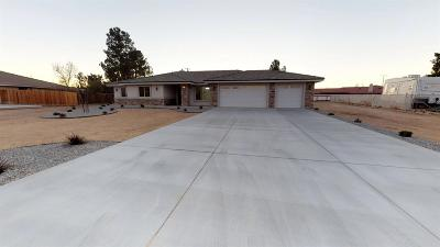 Apple Valley Single Family Home For Sale: 13918 Tawya Road