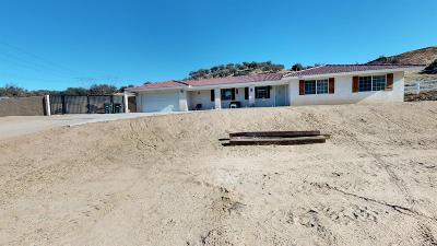 Oak Hills CA Single Family Home For Sale: $394,000