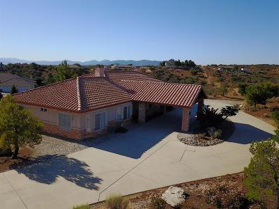 Oak Hills CA Single Family Home For Sale: $488,000