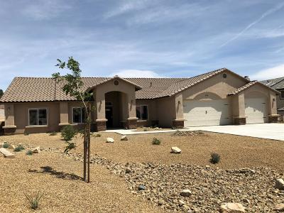 Apple Valley Single Family Home For Sale: 16209 Ridge View Drive