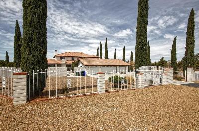 Apple Valley Single Family Home For Sale: 19545 Oshkosh Lane