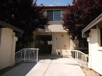 Apple Valley Condo/Townhouse For Sale: 19231 Palo Verde Drive #16