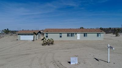 Pinon Hills Single Family Home For Sale: 11573 Azure View Road