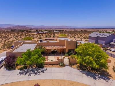 Apple Valley Single Family Home For Sale: 23577 South Road