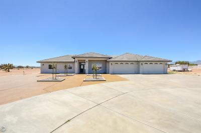 Oak Hills CA Single Family Home For Sale: $437,000
