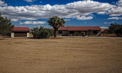 Oak Hills CA Single Family Home For Sale: $339,900