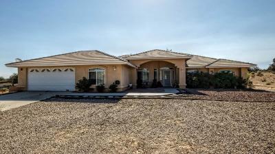 Oak Hills CA Single Family Home For Sale: $355,000