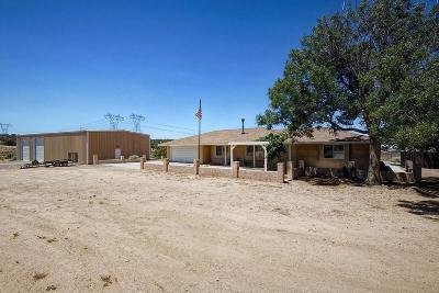 Oak Hills CA Single Family Home For Sale: $440,000