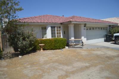 Phelan CA Single Family Home For Sale: $239,999