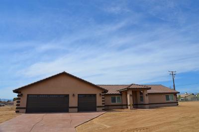 Hesperia Single Family Home For Sale: 16077 Mauna Loa Street #92345