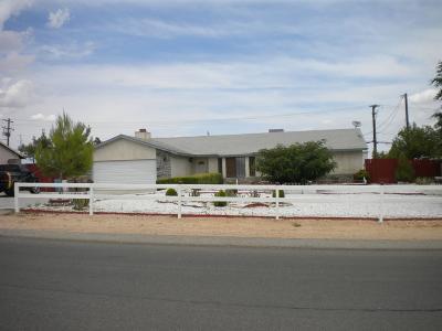 Hesperia Single Family Home For Sale: 17986 Sequoia Street