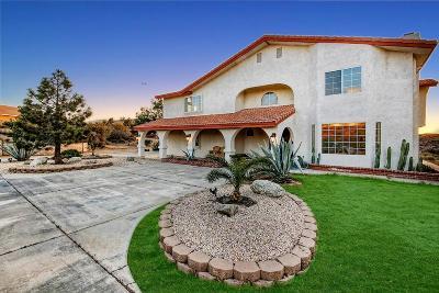 Oak Hills CA Single Family Home For Sale: $425,000