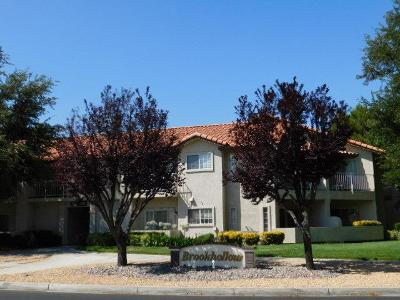 Apple Valley Condo/Townhouse For Sale: 19161 Palo Verde Drive