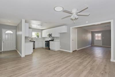Victorville Single Family Home For Sale: 14157 Arrowhead Drive