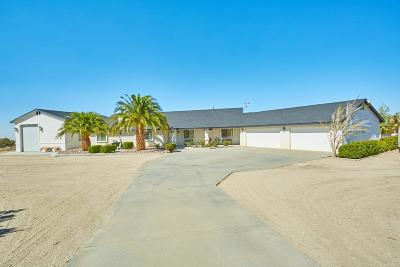 Pinon Hills Single Family Home For Sale: 11427 Soledad Road