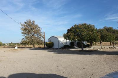 Phelan CA Single Family Home For Sale: $135,000