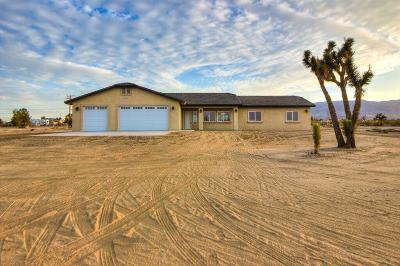 Pinon Hills Single Family Home For Sale: 3011 Cayucos Drive