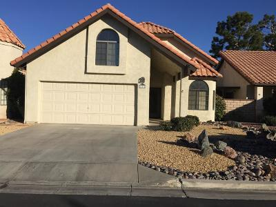Apple Valley Single Family Home For Sale: 11572 Pepper Lane