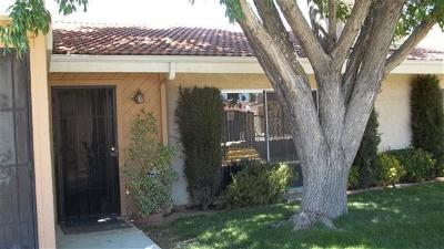 Victorville Condo/Townhouse For Sale: 16465 Green Tree Boulevard