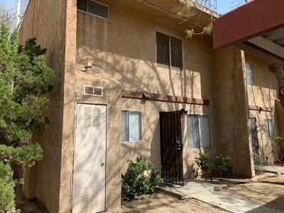 Victorville Condo/Townhouse For Sale: 14299 La Paz Drive #14