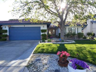 Helendale Single Family Home For Sale: 14631 Greenbriar Drive