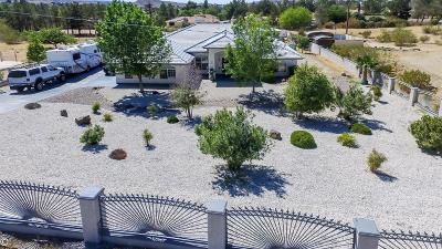 Apple Valley Single Family Home For Sale: 15965 Acoma Road