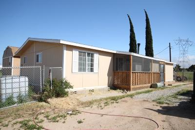 Phelan CA Single Family Home For Sale: $150,000