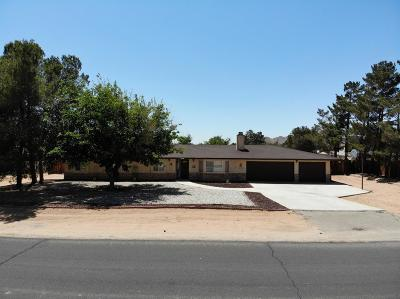 Apple Valley Single Family Home For Sale: 15482 Comanche Road