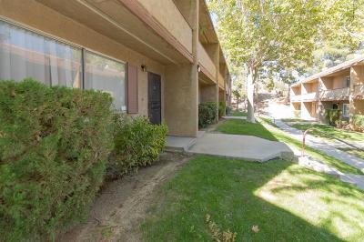 Victorville Condo/Townhouse For Sale: 14299 La Paz Drive #45