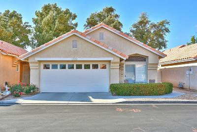 Apple Valley Single Family Home For Sale: 19136 Pine Way