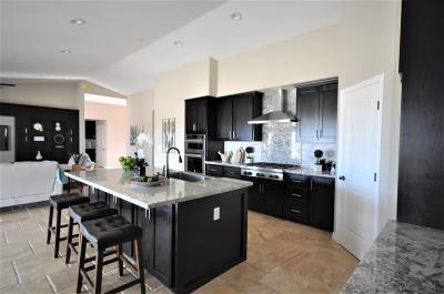 Apple Valley Single Family Home For Sale: 14645 Havasu Lane