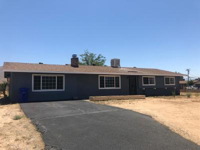 Apple Valley Single Family Home For Sale: 22001 Nambe Court